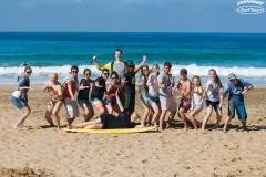 Довольные после урока сёрфинга