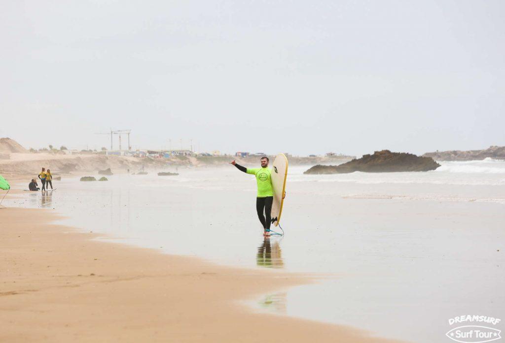 После уроков сёрфинга в Марокко в мае 2017