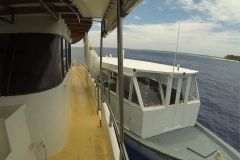 Яхта для сёрф-сафари