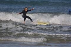 Уроки сёрфинга в детском сёрф-лагере