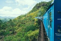 Вот в таких красивых местах поедем на поезде