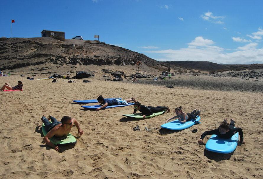 Обучение сёрфингу на майских на о.Фуэртевентура!