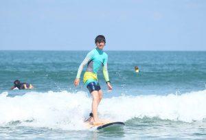 Детский сёрфинг лагерь на Бали